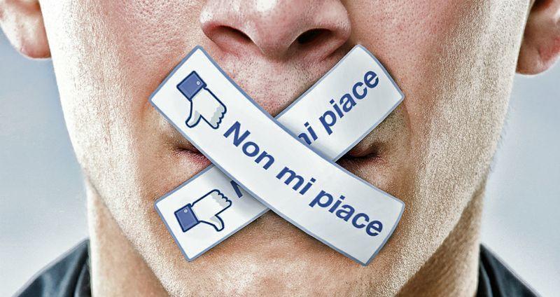 insulti sulla bacheca facebook
